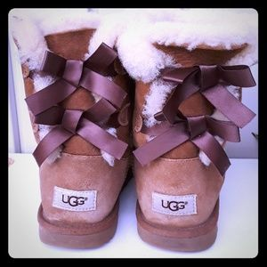 UGG LEATHER BOOTS  SIZE 5